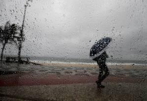 Chuvas fracas a moderadas cairão no Rio no fim de semana Foto: Domingos Peixoto / Agência O Globo