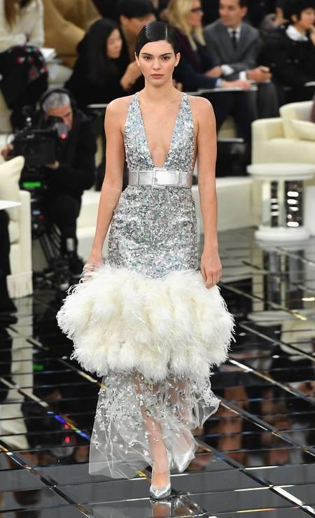 Kendall no desfile de verão 2017 de alta-costura da Chanel Foto: Pascal Le Segretain / Getty Images
