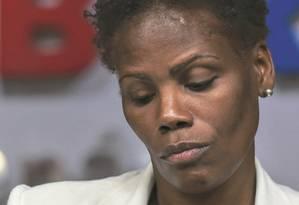 A advogada Valéria Lúcia dos Santos fala na OAB do Rio de Janeiro após ser algemada quando defendia uma cliente Foto: Marcelo Regua / Agência O Globo