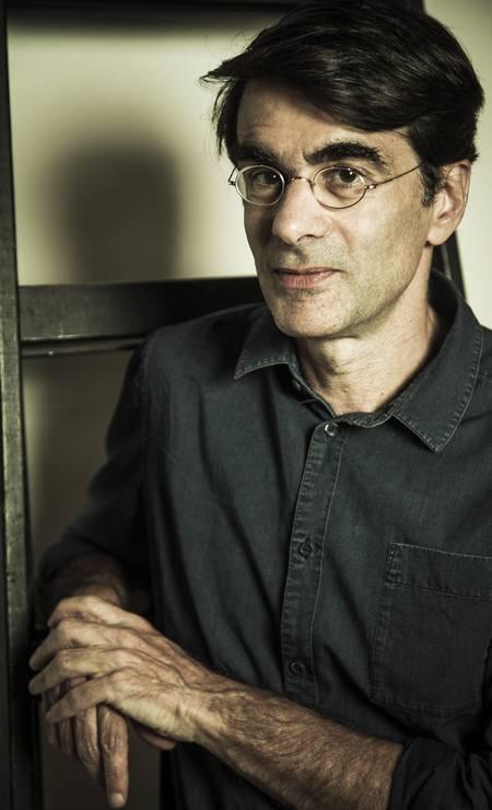 7º) João Moreira Salles: diretor de cinema, com patrimônio de R$ 15,6 bilhões nos setores bancário e de mineração Foto: Guito Moreto / Agência O Globo