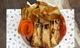 Julie Salad, receita do Cabana Burger, harmoniza palmito, batata doce e mix de folhas Foto: Cabana Burger / Divulgação