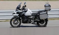 A moto acelera, freia e faz curvas sozinha Foto: Divulgação