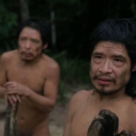 Baita e Tamandua, que vivem isolados em terra Piripkura, em imagem do documentário que leva o nome do povo Foto: divulgação/