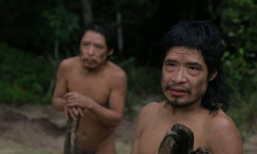 """Pakui e Tamandua, que vivem isolados em terra Piripkura, em imagem do documentário que leva o nome do povo Foto: divulgação/""""Piripkura"""""""