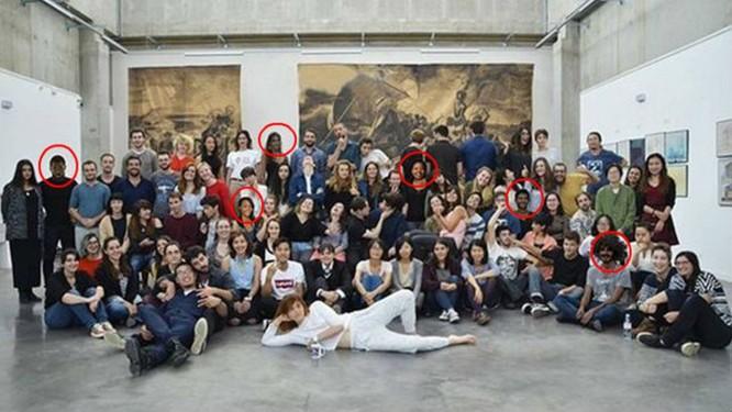 Imagem para divulgar escola de arte francesa foi modificada para incluir alunos negros Foto: Reprodução/Redes sociais