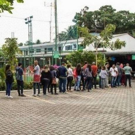 Trabalhadores fazem fila à procura de emprego em Jacarepaguá, no Rio de Janeiro Foto: Barbara Lopes / Agência O Globo