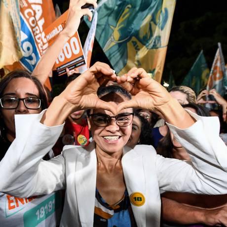 A candidata da Rede, Marina Silva, em campanha Foto: EVARISTO SA / AFP