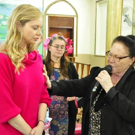 Filha de Eduardo Cunha, Danielle Cunha visita igrejas evangélicas Foto: Reprodução