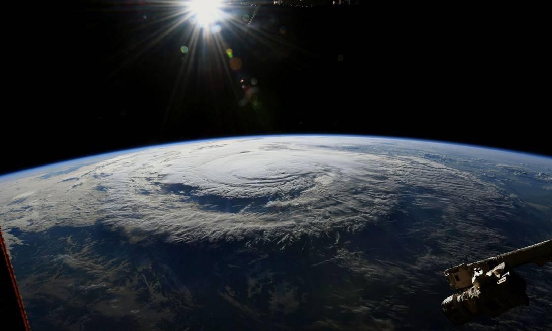 Imagem da NASA feita pelo astronauta Ricky Arnold da Estação Espacial Internacional mostra o furacão Florence RICKY ARNOLD / AFP