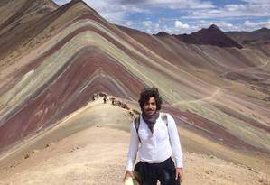 O ator Vandré Silveira na Montanha Colorida, a 6.372 metros de altitude, no Peru: experiência de superação Foto: Acervo pessoal