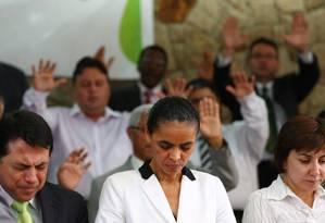 Marina Silva participa de culto com pastores na Assembleia de Deus de Mogi Guaçu, em São Paulo. Foto: Michel Filho / Agência O Globo