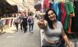 A vendedora Ingrid Alves disse que tem se escondido dos candidatos Foto: Ricardo Rigel / Agência O Globo