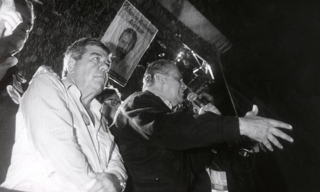 Candidato à Presidência, Fernando Henrique Cardoso discursa em Duque de Caxias (RJ), em 1994 Carlos Ivan / Agência O Globo