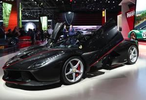 O Monza lançado pela Ferrari atinge 100 quilômetros por hora em apenas três minutos Foto: Bloomberg