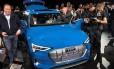 O lançamento do primeiro veículo elétrico da Audi, o e-tron SUV Foto: Reuters