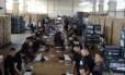 O Tribunal Regional Eleitoral do Distrito Federal (TRE-DF) inicia as cerimônias de carga e lacração das urnas eletrônicas Foto: Agência O Globo