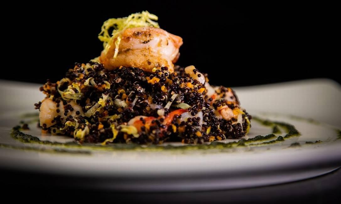 Salada de quinoa com frutos do mar do Locanda Della Mimosa Foto: Bárbara Lopes / Agência O Globo