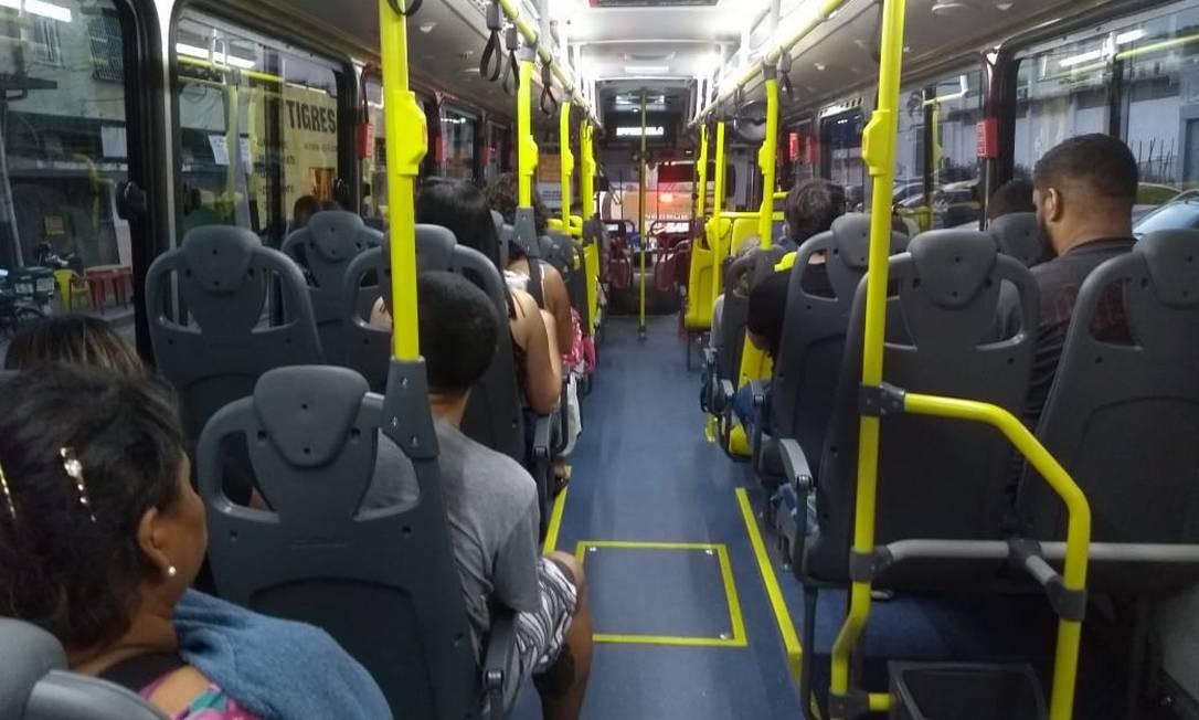 Ônibus com novos serviços começam a circular pela cidade Foto: Cecília Vasconcelos