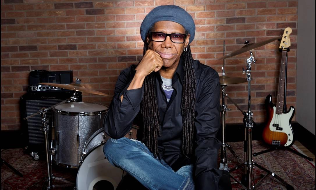 O guitarrista e produtor Nile Rodgers, do grupo Chic Foto: Jill Furmanovsky / Divulgação