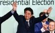 Shinzo Abe celebra vitória pela liderança do Partido Liberal Democráta Foto: MARTIN BUREAU / AFP