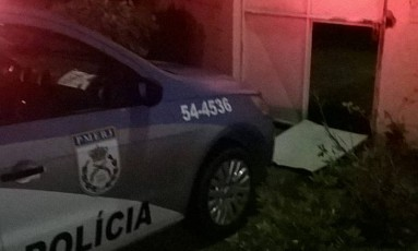 Portão da Degase de Nova Friburgo foi derrubado Foto: Redes Sociais