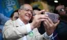 Candidato do PSDB Geraldo Alckmin em visita a Brás Foto: Marcos Alves / Agência O Globo