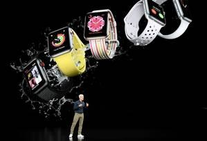 Modelos do smartwatch da Apple Foto: Bloomberg