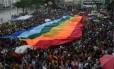 Parada do Orgulho Gay e GLBT na praia de Icarí em Niterói Foto: Marcelo Franco