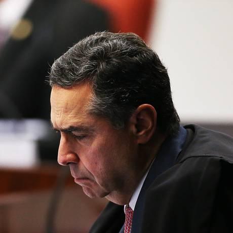 O ministro do STF Luís Roberto Barroso durante sessão do Tribunal Foto: Ailton de Freitas / Agência O Globo