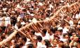 A multidão no Cirio de Nazaré, uma das festas lembradas por Luiz Antonio Simas no livro Foto: Carlos Silva / Agência O Globo