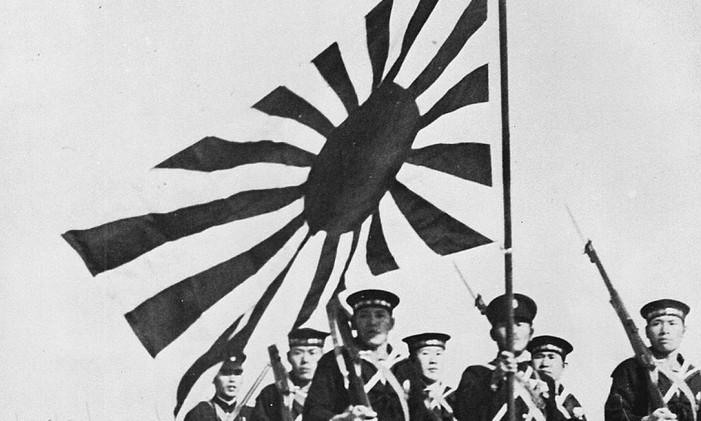 Marinheiros japoneses em parada nos anos 1940 Foto: Reprodução