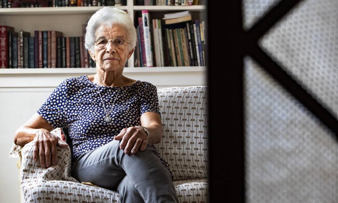 Espera. Aos 84 anos, Mathilde Teixeira, poupadora do Bamerindus, se diz frustrada com a negativa da sua indenização Foto: / Ana Branco