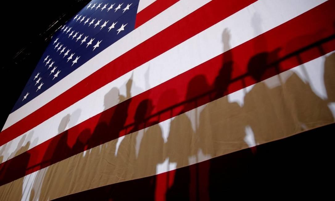 Brasileiros estão à procura do visto americano Foto: Mike Segar / Reuters