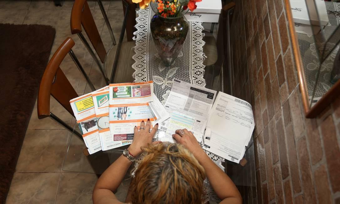 Andreia Leroux, 47 anos, tenta negociação de dívidas Foto: Pedro Teixeira / Agência O Globo