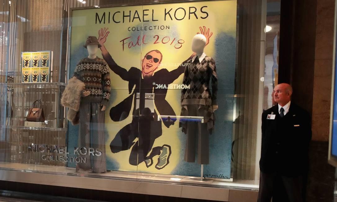 Vitrine de loja da Michael Kors em Chicago, Illinois Foto: SCOTT OLSON / AFP