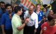 O candidato do PSDB Geraldo Alckmin em visita ao Mercadão de Madureira, no Rio Foto: Mariana Martinez