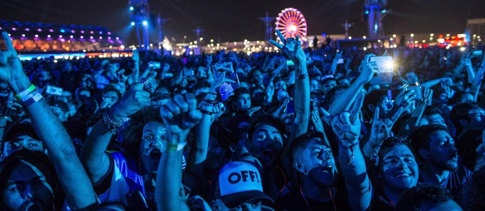 Público durante o show do Offspring no Rock in Rio 2017 Foto: Guito Moreto / Agência O Globo