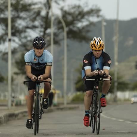 Atletas da Equipe Sky que participarão da prova no Recreio Foto: Agência O Globo / Gabriel de Paiva