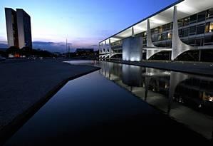 Palacio do Planalto. Ao lado, os prédios do Congresso Foto: Gustavo Miranda / Agência O Globo