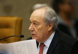 O ministro Ricardo Lewandowski durante sessão do STF Foto: Ailton de Freitas / Agência O Globo