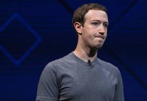 O criador do Facebook, Mark Zuckerberg, em evento recente: conta na própria rede social sob ameaça Foto: Arquivo