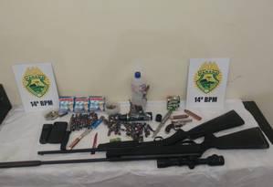 Policiais apreenderam armas, munição e bombas caseiras Foto: Divulgação
