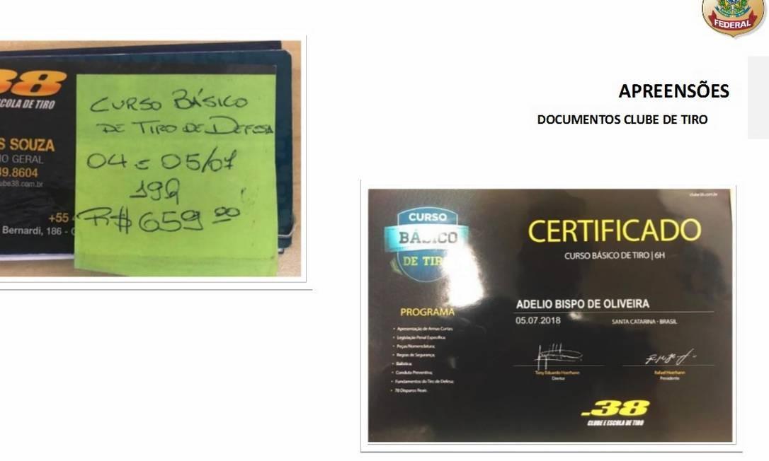 Certificado de clube de tiro também estavam entre os pertences Foto: Reprodução