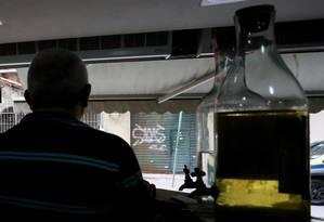 """Sem sossego: dono de bar na Tijuca conta que foi assaltado quando voltava para casa: """"Tenho medo de morrer"""" Foto: Fabiano Rocha / Agência O GLOBO"""