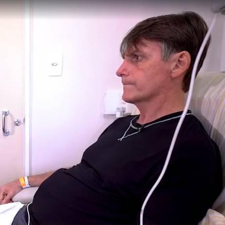 Jair Bolsonaro concede entrevista para Jovem Pan no hospital Foto: Reprodução