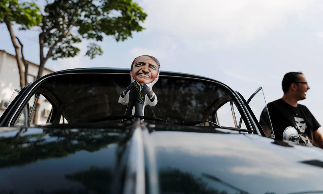 Boneco de Bolsonaro em manifestação a favor do candidato à Presidência em São Paulo Foto: NACHO DOCE / REUTERS
