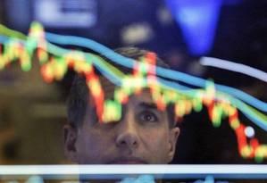 Fundos globais ainda são destinados a uma parcela restrita de investidores, chamados de 'qualificados' Foto: AP / Richard Drew