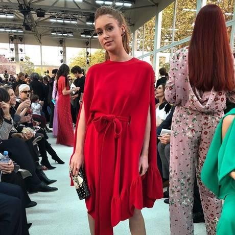 Marina Ruy Barbosa no desfile da Valentino, em Paris Foto: Reprodução do Instagram