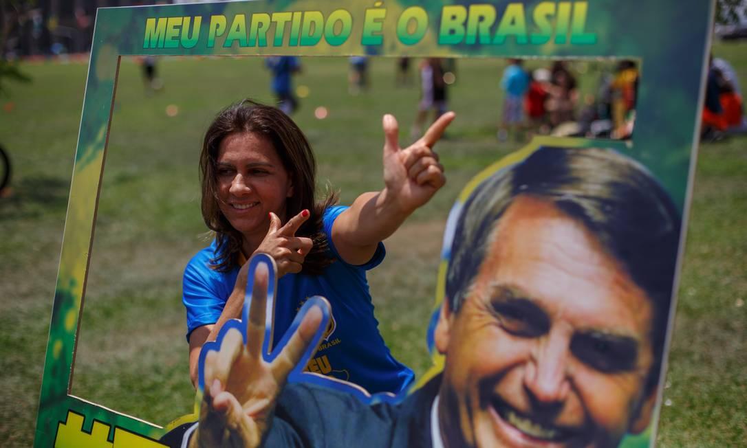 Manifestantes fazem ato pro Bolsonaro em Brasilia Foto: Daniel Marenco / Agência O Globo