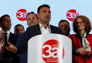 O premier Zoran Zaev anuncia que maioria dos macedônios optou pelo